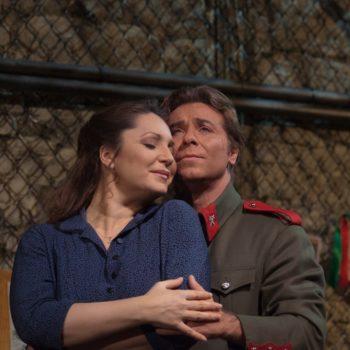 "Barbara Frittoli as Micaëla and Roberto Alagna as Don José in Bizet's ""Carmen.""  Photo: Ken Howard/Metropolitan Opera  Taken at the Metropolitan Opera during the dress rehearsal on December 28, 2009."